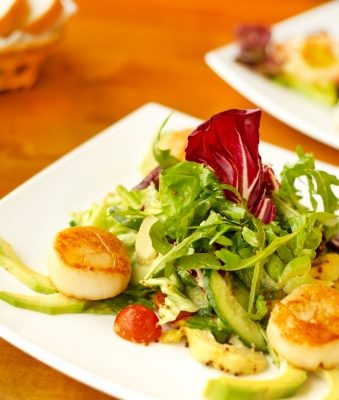Scallop avocado salad_020713