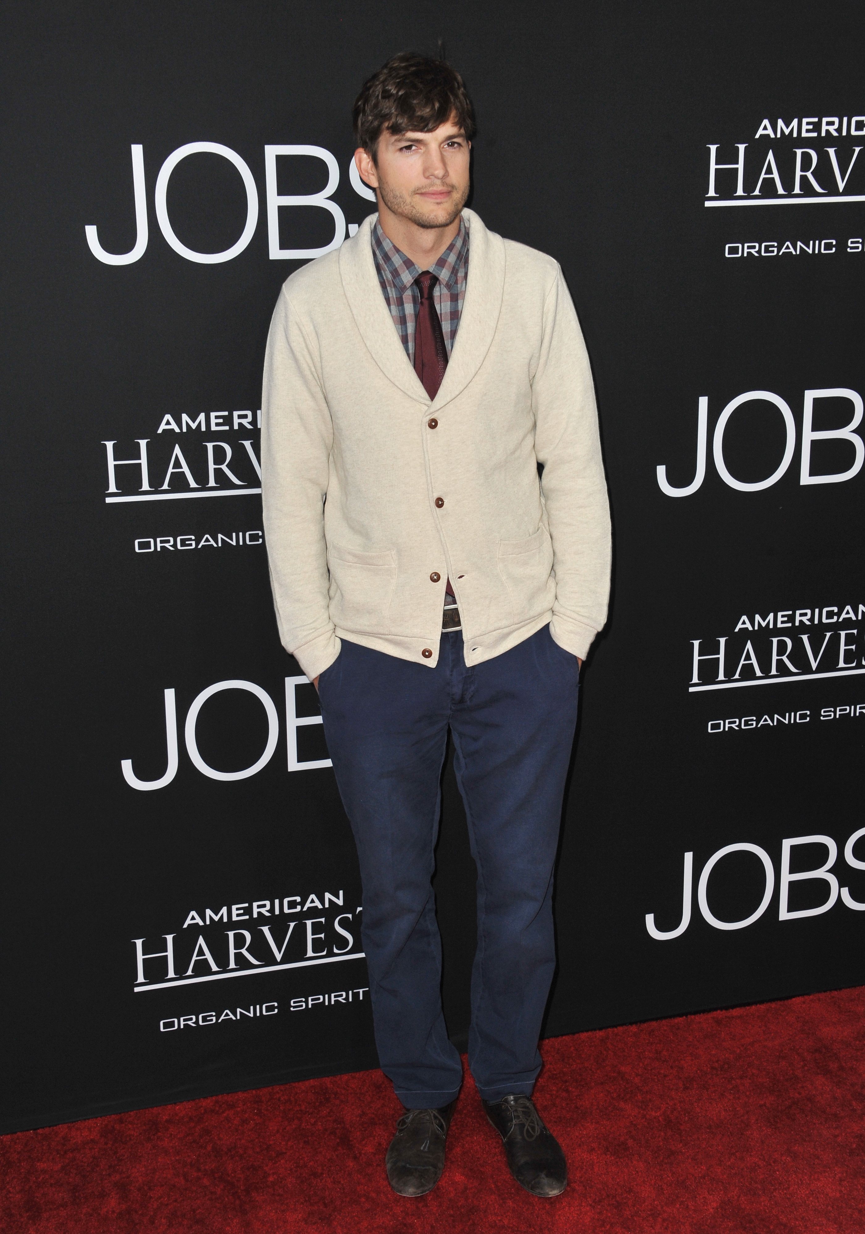 "Why Ashton Kutcher's ""Steve Jobs Diet"" Sent Him to the Hospital"
