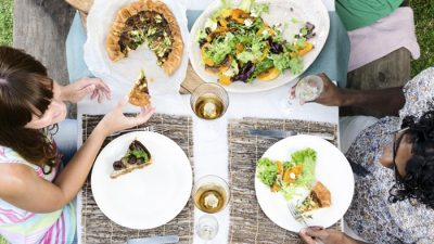 Why Social Eating Should Be in Your Schedule
