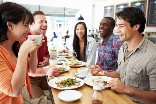 Dining Out? Consider These 5 Healthy Eating Tips