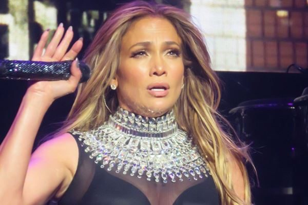 Jennifer Lopez Wows Fans With 10 Pound Weight Loss From Vegan Diet