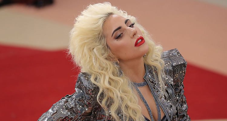Lady Gaga announces smaller and more intimate Dive Bar Tour