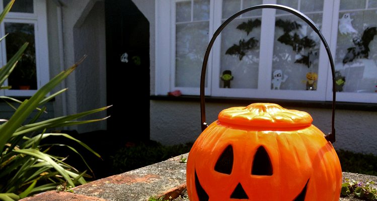 Spooky Halloween Party Ideas for Last Minute Halloween Celebration