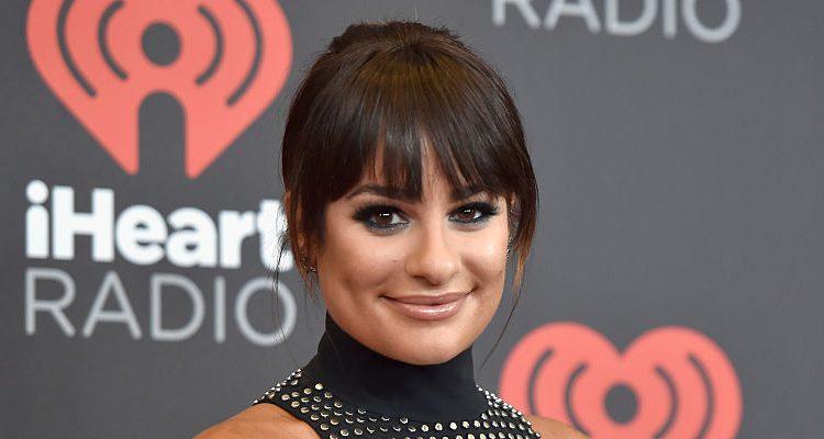 "Super Fit Lea Michele Flaunts Toned Legs: ""Scream Queens"" Star Reunites with Castmates at EW PopFest"