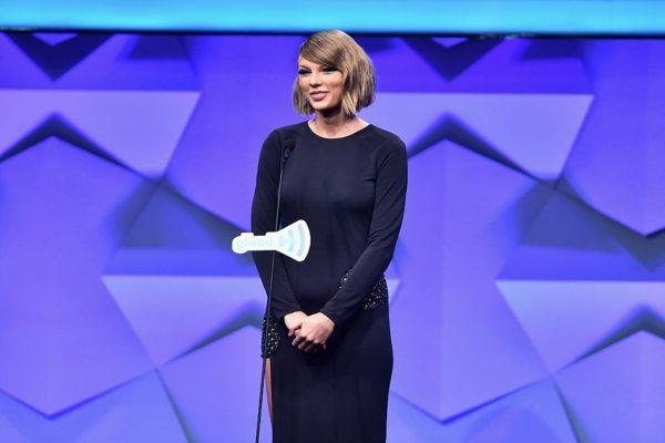 Taylor Swift Dating Drake