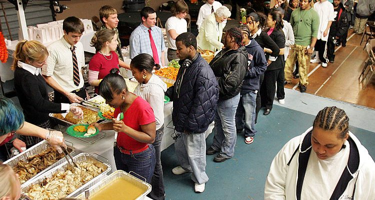 Annual Thanksgiving Dinner for Charity 2016: Turkey, Pumpkin Pie Feasts Offered by Churches, Charities