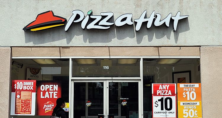 Pizza Hut Christmas Hours: Know Timings, Deals & Christmas Menu