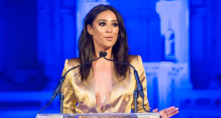"""Pretty Little Liars"" Star Shay Mitchell Indulges in Lindt Chocolates, Still Maintaining Her Slim Body"