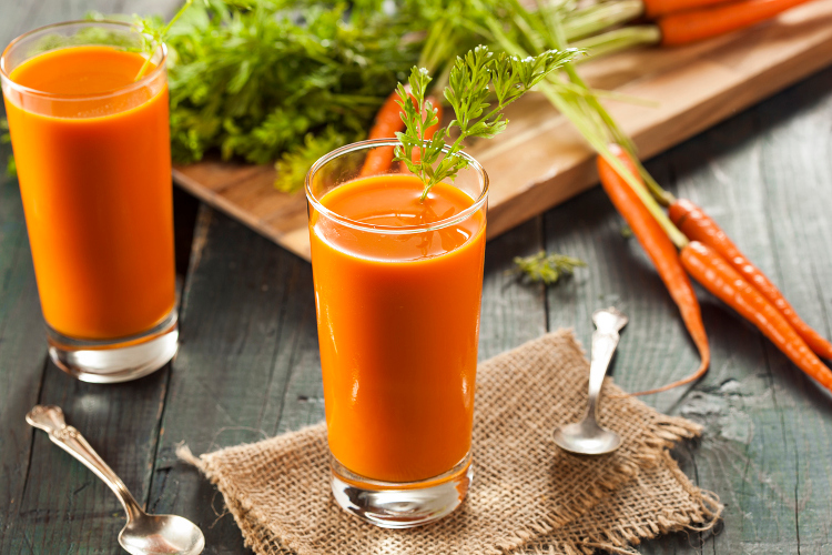 Carrot Juice with Fresh Fruit
