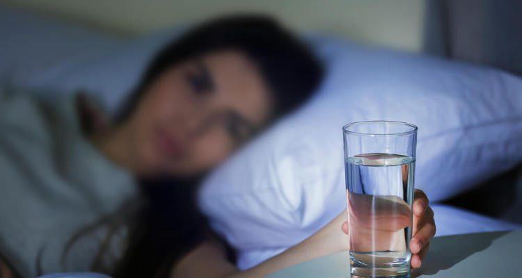 Lemon Water Before Bed 7 Benefits Of Drinking Lemon Water