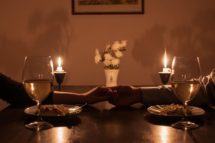 10 most romantic valentine 39 s restaurants in miami. Black Bedroom Furniture Sets. Home Design Ideas